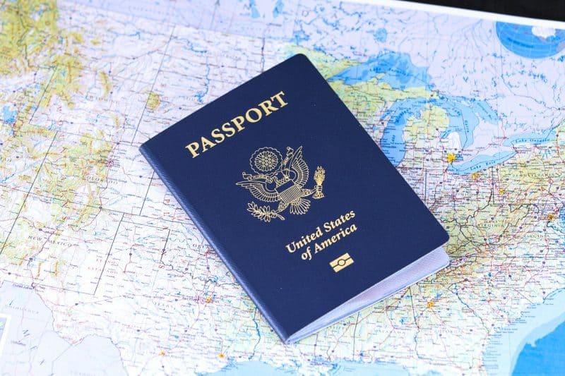 מפה ודרכון
