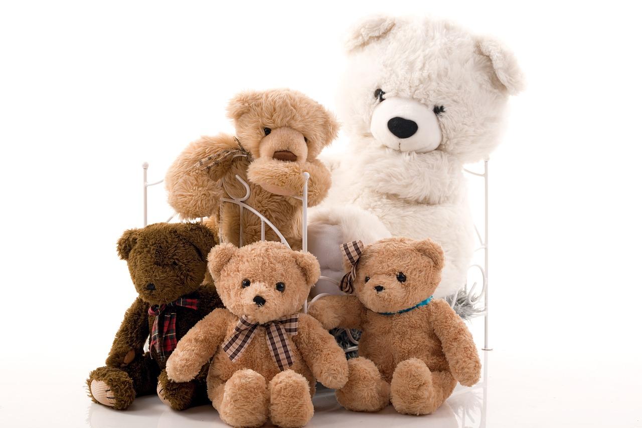 דובים בגדלים שונים