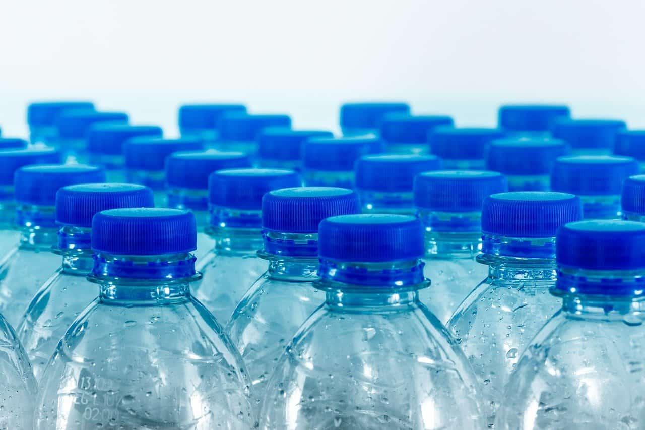 בקבוקים קטנים
