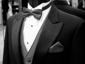 חליפה עם פפיון