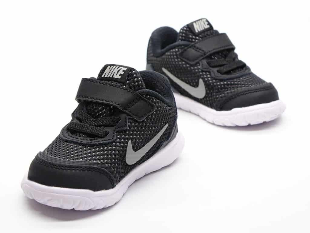 נעלי סקוץ