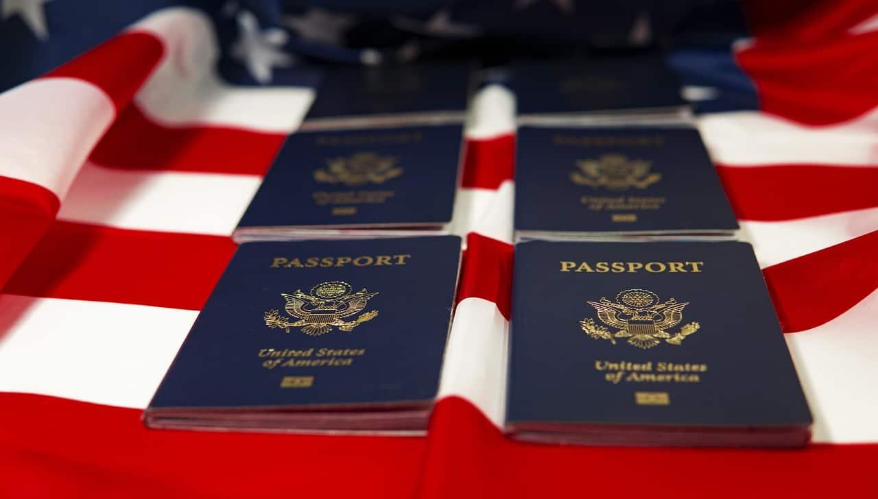 דגל ודרכונים